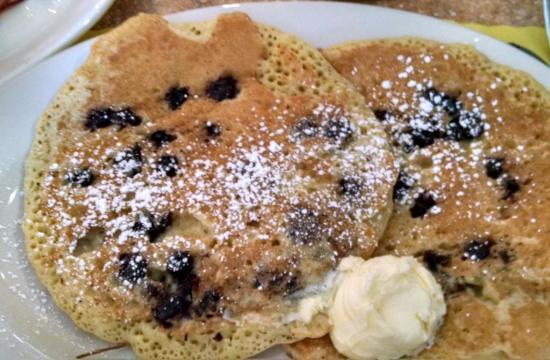 Whitman, MA: Blueberry Pancakes