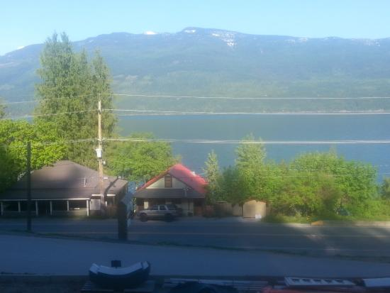 Ainsworth Hot Springs, Kanada: Perfect View of the lake