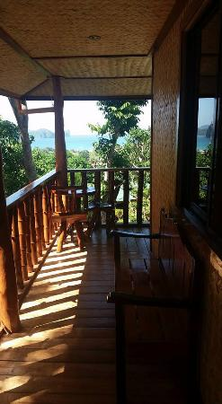 El Nido Viewdeck Inn: Balcony of Cottage 2
