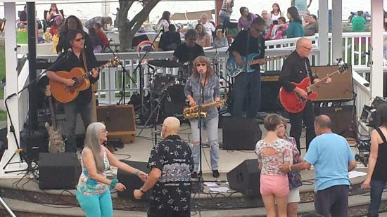 Saint Helens, OR: Quarterflash at Columbia View Park