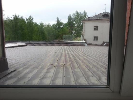 UralHotel : Вид из окна, Студия на 2 этаже.