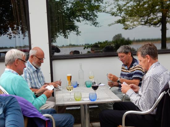 Noorden, The Netherlands: Een rondvaart met de fluisterboot, heerlijke hapjes en drankjes aan boord. Een fantastisch vijf