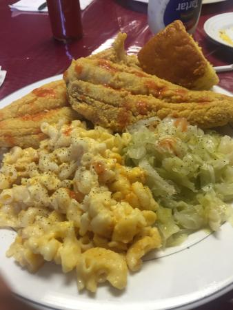 Linden, NJ: Momma's place  soulfood restaurant