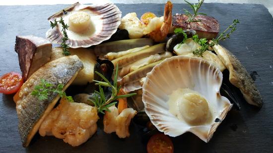 Restaurant & Weinstube Holzoefele: Fischplatte