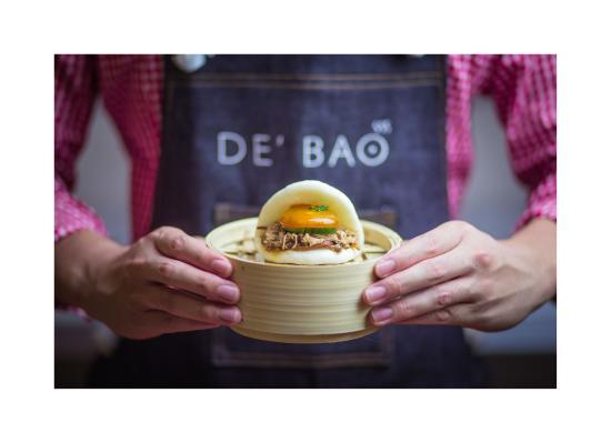 de bao pull pork bao with soycured egg yolk