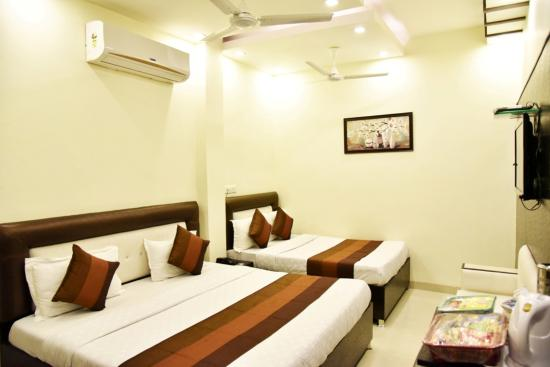 HOTEL AKAAL RESIDENCY: Family Room