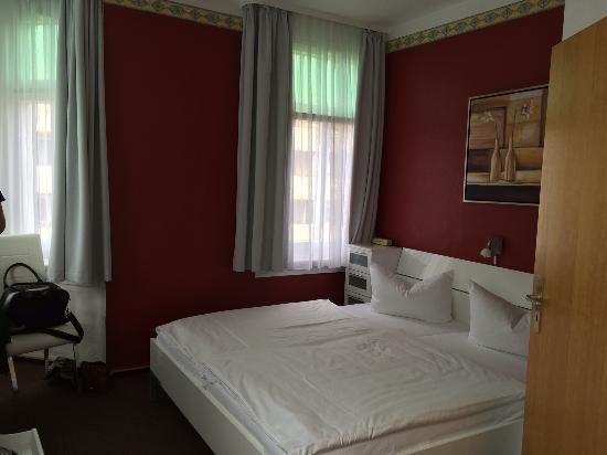 Hotel an der Kapelle : Doppelzimmer Nr. 23 im 2. Stock