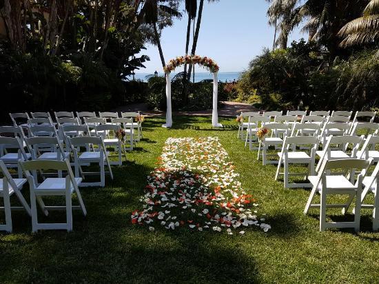 Four Seasons Resort The Biltmore Santa Barbara Wedding Ceremony At Mariposa Gardens
