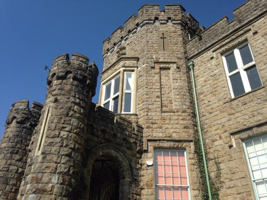 Merthyr Tydfil, UK: foto da torre logo na entrada