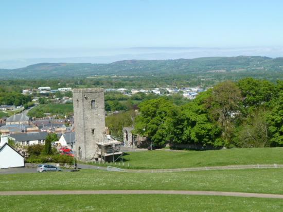 Denbigh, UK: Church tower and town