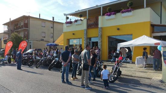 Capannori, Italia: Al Benefit Day del PuppAppera