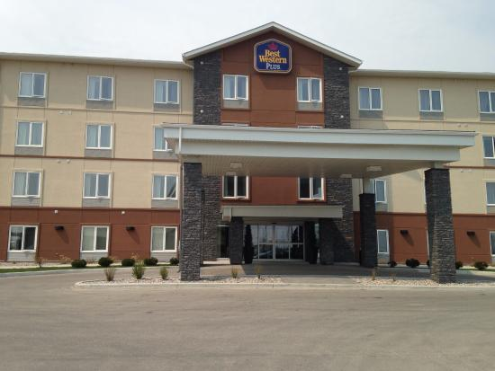 BEST WESTERN PLUS Winnipeg West : Main Entrance
