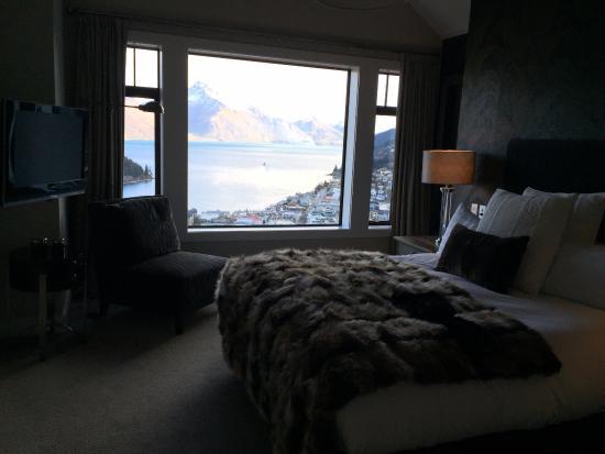 Commonage Villas: The master bedroom from a 3-bedroom villa