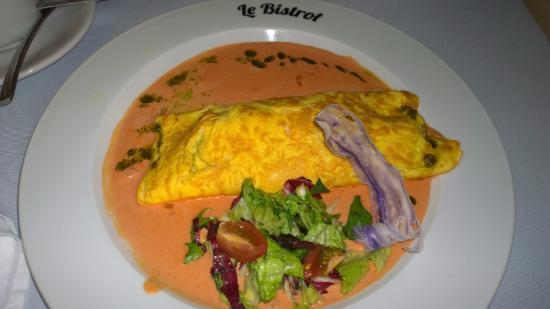 Le Bistrot : Omelette de queso y espinacas