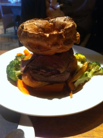 High Wycombe, UK: 28-day aged Roast Beef and Yorkshire Pudding.