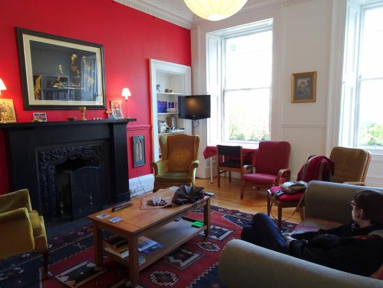 Emmaus House, Edinburgh SCIO : Lounge