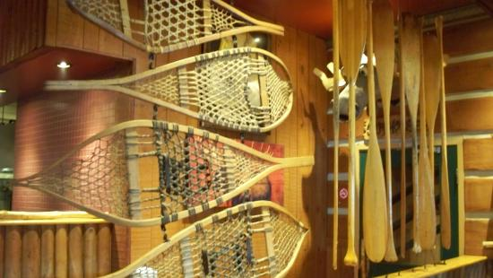 Barrie, Canada: Decor includes snowshoes and paddles. Canadian, eh!