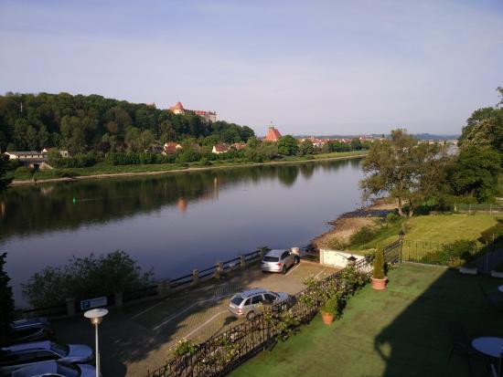 Hotel Elbparadies: Blick aus dem Zimmer, Elbabwärts Richtung Pirna