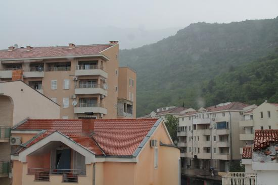 Sun Hostel Budva : Вид из номера