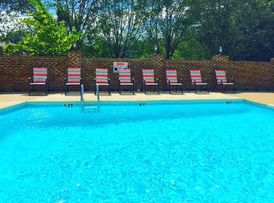 Best Western Butner Creedmoor Inn: Pool Now Open!