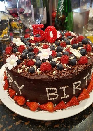 Buckingham, UK: Nelson Street made this incredible birthday cake.