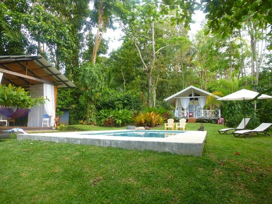 Punta Uva, Costa Rica: Cabana, Pool & Honeymoon Cottage
