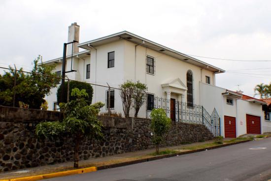 Isha Hostel
