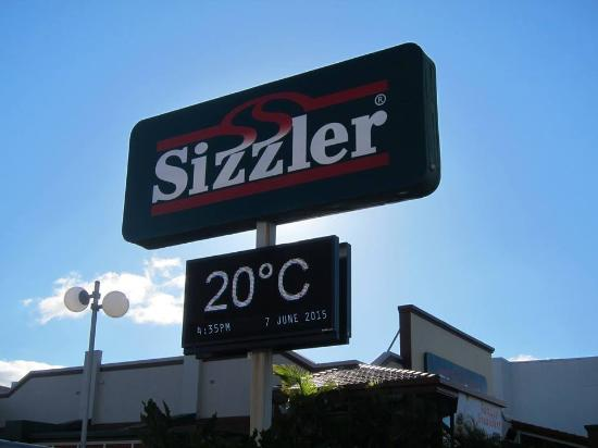 Sizzler Mermaid Beach: There used to be so many of those around back in the day....