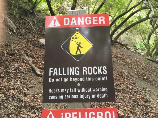 Nojoqui Falls Park: Same danger sign
