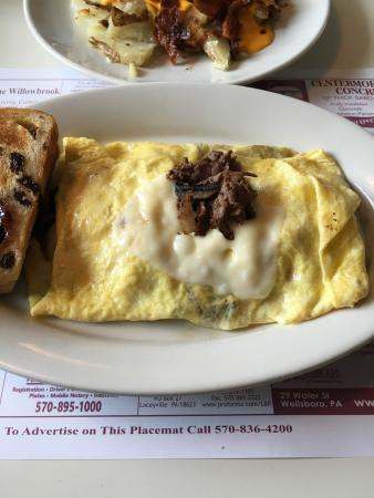 Clarks Summit, Pensilvania: Steak and cheese omelette