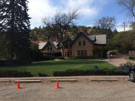 Briarhurst Manor: photo1.jpg