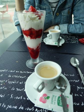 Le Bourget, Francja: A nice dessert
