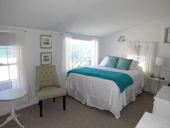 Masthead Resort: Waterfront Room at 31 Commercial 31C