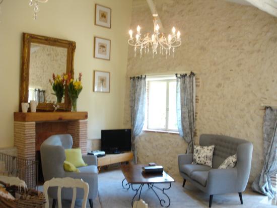 Sainte-Livrade-sur-Lot, Francia: Vionnet open plan lounge