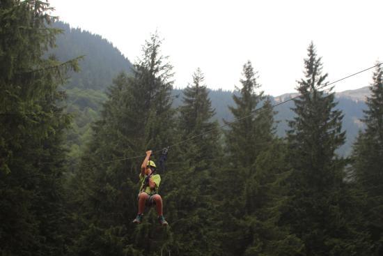 Zipline e parchi avventura con percorsi aerei