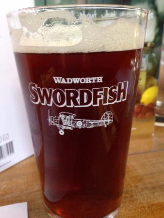 Cranmore, UK: Good beer, food and dog friendly.