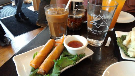 Saigon Kitchen: Spring roll, one order