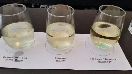 Sonoma County, CA: Tapas and white wine flight.