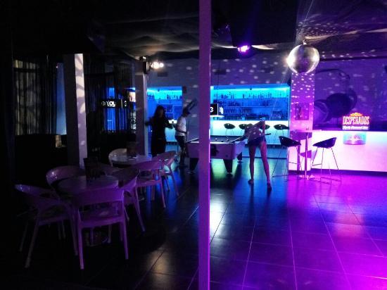Enjoy Cafe Lounge