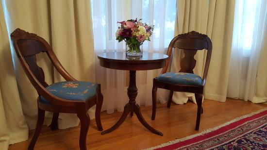 """A Kingston Bed & Breakfast : """"Babe Ruth"""" room"""