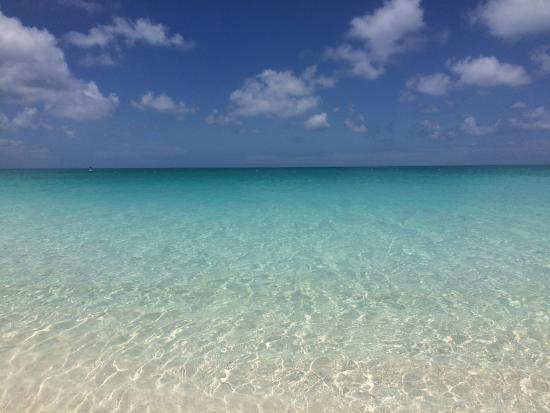 Villa del Mar : Same beach...lower price!