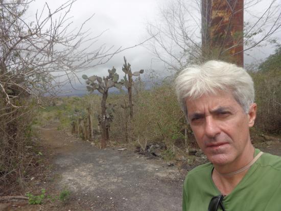 Puerto Villamil, Ecuador: Trilha para o Muro das Lágrimas.