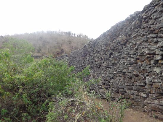 Puerto Villamil, Ekuador: Vista do Muro das Lágrimas, em Isabela.