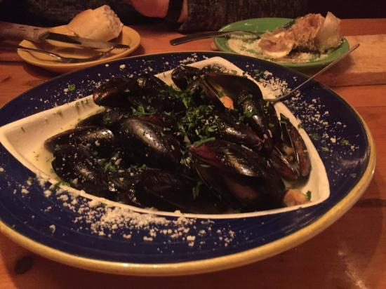 Killington, VT: appetizer - mussels
