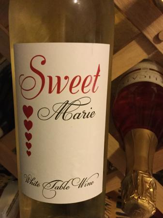 Delicato Family Vineyards Tasting Room: Sweet Marie