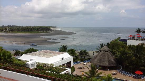 Mompiche, Ecuador: Vista de una parte de la isla desde el hotel decameron
