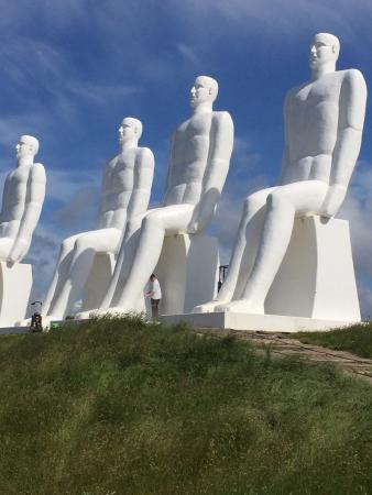Esbjerg Municipality, Danmark: Men looking over the Sea