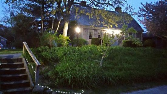 Imagen de Bow Roof House