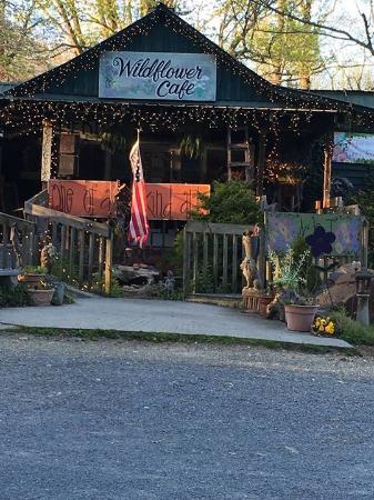 Mentone, AL: Entrance to cafe