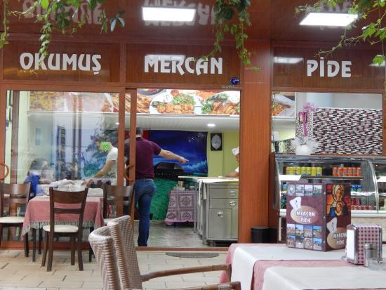 Okumus Mercan Restaurant : View dari luar
